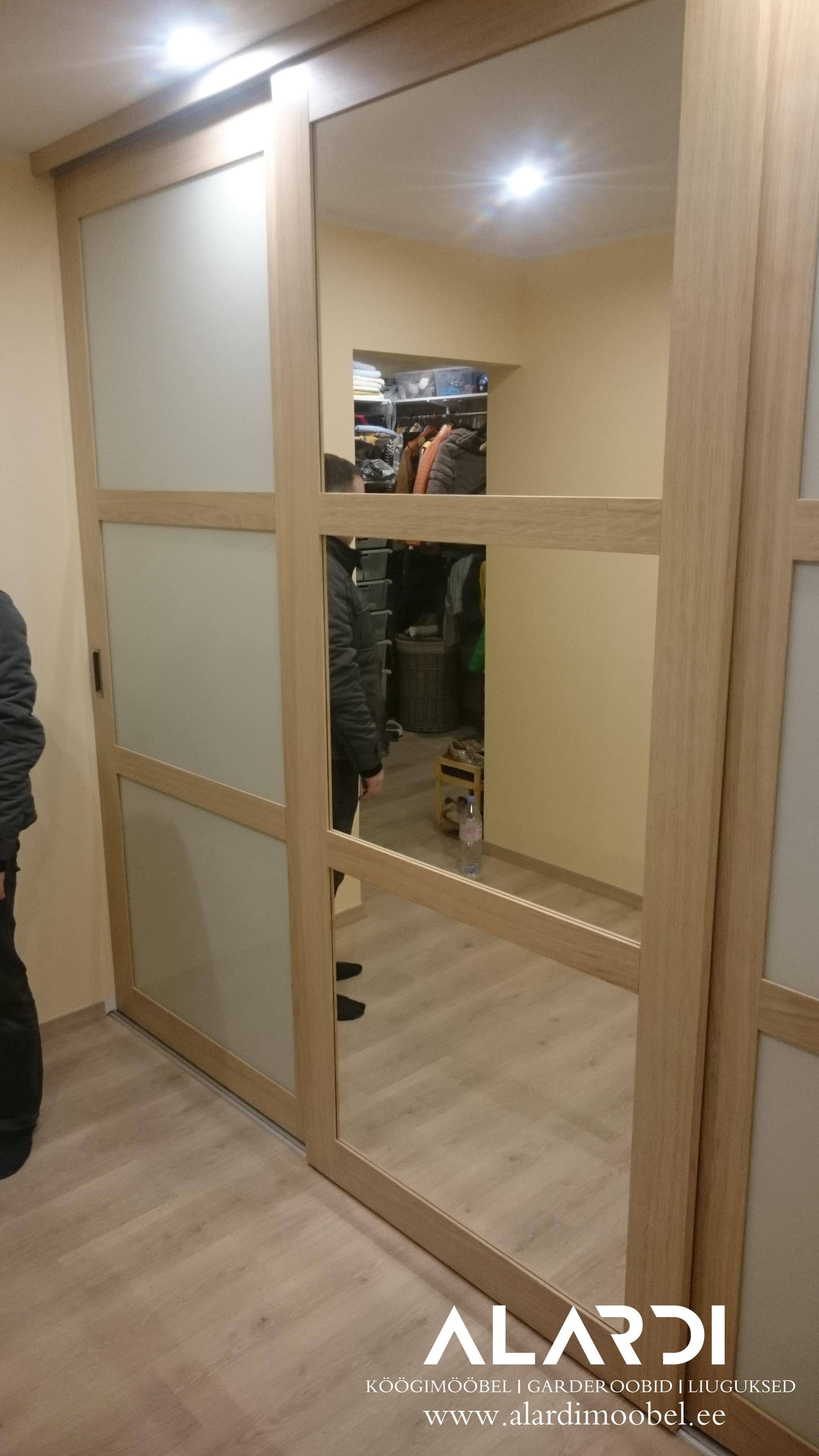 Eritellimusmööbel, köögimööbel, köögi tellimine, köögi tellimine Tallinn, garderoobid, lükanduksed, liuguksed